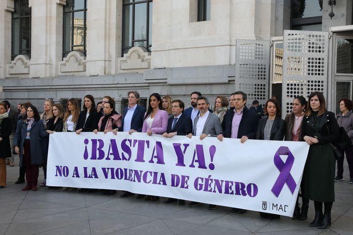 Minuto de silencio sin Vox en el Ayuntamiento de Madrid