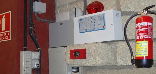 La importancia de un buen servicio de instalación y mantenimiento de extintores y alarmas de incendios en Madrid