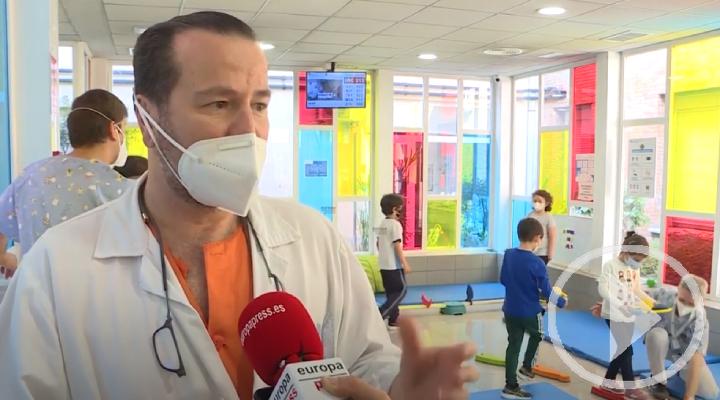 El Hospital Niño Jesús imparte talleres para niños con prótesis