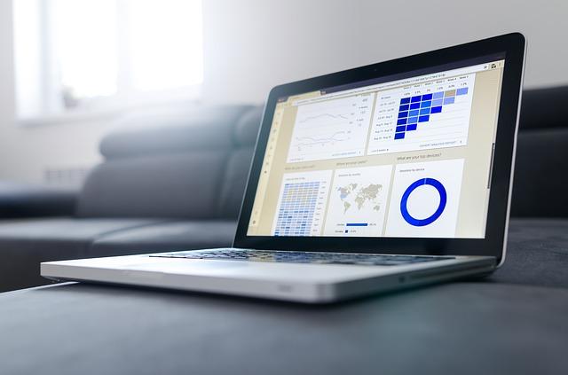 Llega GoWork.com, la web para buscar trabajo sabiendo cómo se portan los jefes