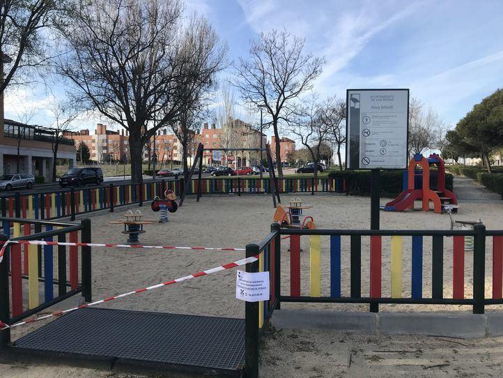Madrid cierra terrazas y los municipios sus parques infantiles