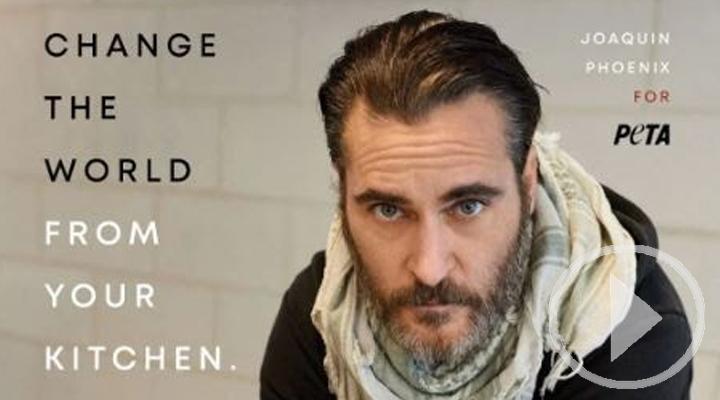 'Cambia el mundo desde tu cocina', la nueva campaña vegana de PETA con Joaquin Phoenix
