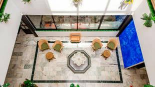 Hall del Hotel Playa Maro