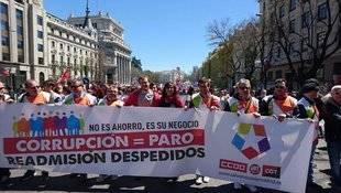 Representantes de Podemos apoyan a trabajadores de Telemadrid.