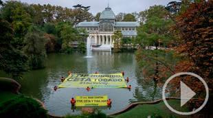 El Palacio de Cristal del Retiro, testigo de la última acción de Greenpeace contra el TTIP