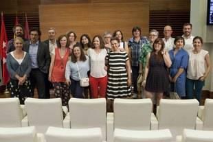 Reunión de vecinos y Ayuntamiento para el proyecto de la Biblioteca de San Fermín