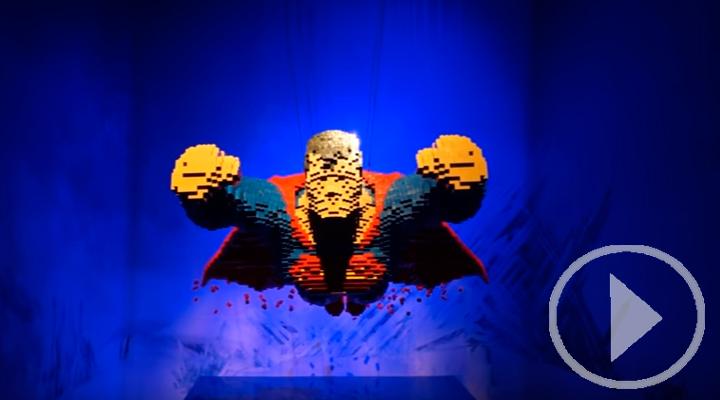 Todos los Superhéroes y Villanos en piezas de Lego en el Teatro Fernán Gómez
