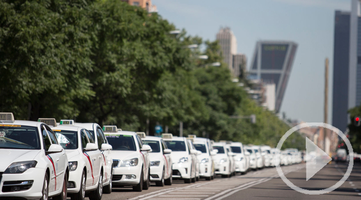 La huelga de taxis paraliza las principales ciudades