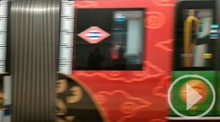 Dragones chinos en el Metro para celebrar el Año de la Rata