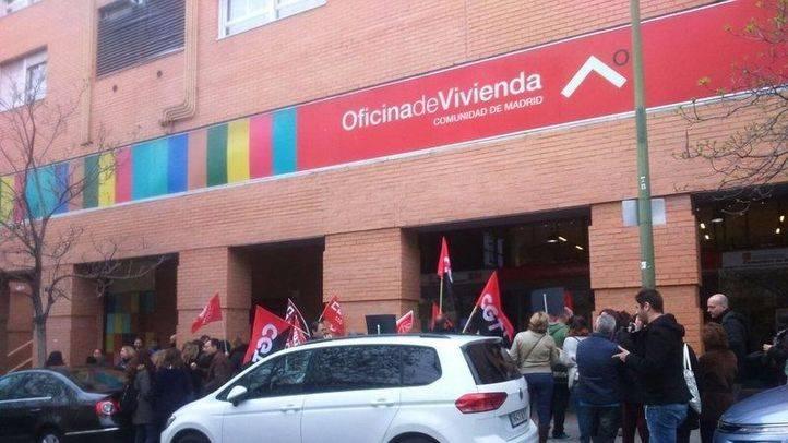 Manifestaci�n en la Oficina de Vivienda de la Comunidad