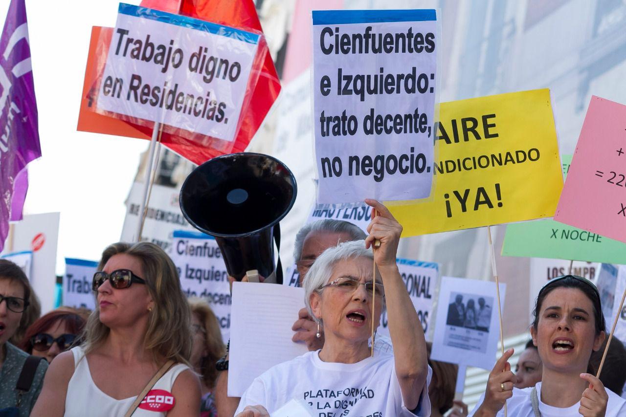 Concentración de la Plataforma por la Dignidad de las Personas Mayores en las Residencias. (FOTO: Diego Sánchez)