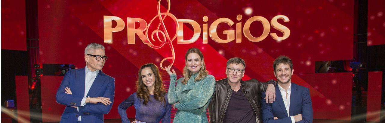 Los presentadores y el jurado de 'Prodigios' (de izqda a dcha): Boris Izaguirre, Paula Prendes, Ainhoa Arteta, Nacho Duato y Andrés Salado. (Foto cedida por RTVE)