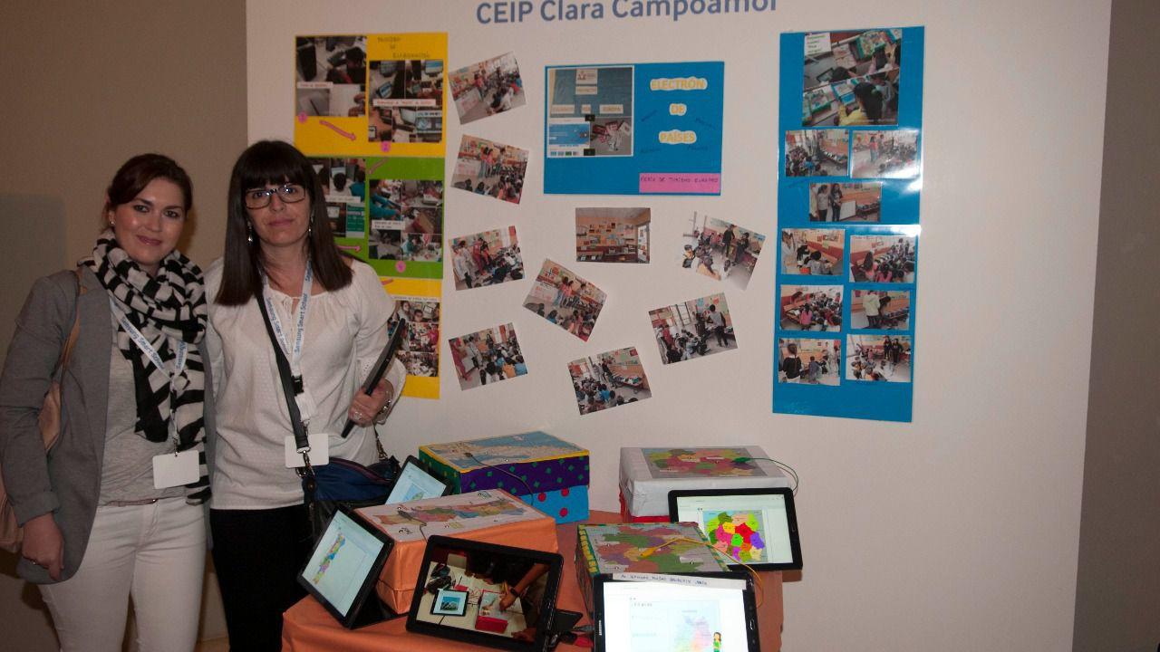El proyecto del CEIP Clara Campoamor de Alcorcón 'De turismo por Europa' ha sido defendido por la jefa de estudios y la coordinadora TIC del centro (Foto: Chema Barroso)