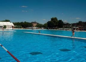 Las piscinas permanecer n abiertas hasta el 8 de for Piscina collado villalba