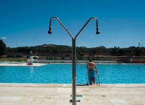 Las piscinas municipales de verano abrir n el 31 de mayo for Piscina puerta de hierro