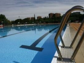 Las piscinas municipales cierran la temporada de verano for Piscina francos rodriguez
