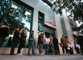 El paro baja ligeramente en noviembre en madrid madridiario for Oficina del inem madrid