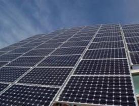 Placas solares suministrar n agua caliente en la piscina for Piscina guadarrama